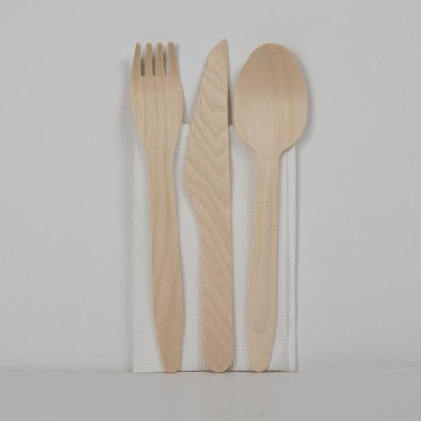 Set de cuillère, couteau, fourchette, serviette
